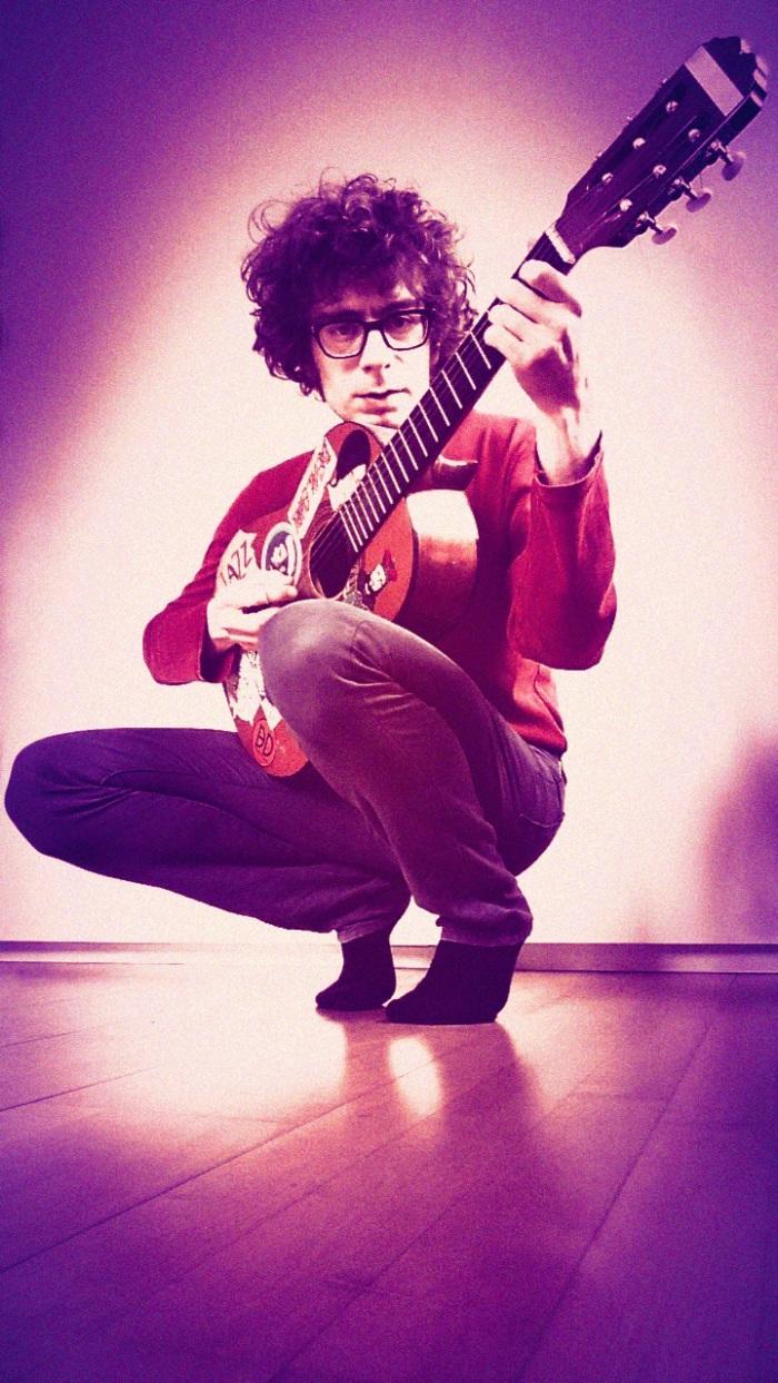 balduin-with-guitar-720x1279